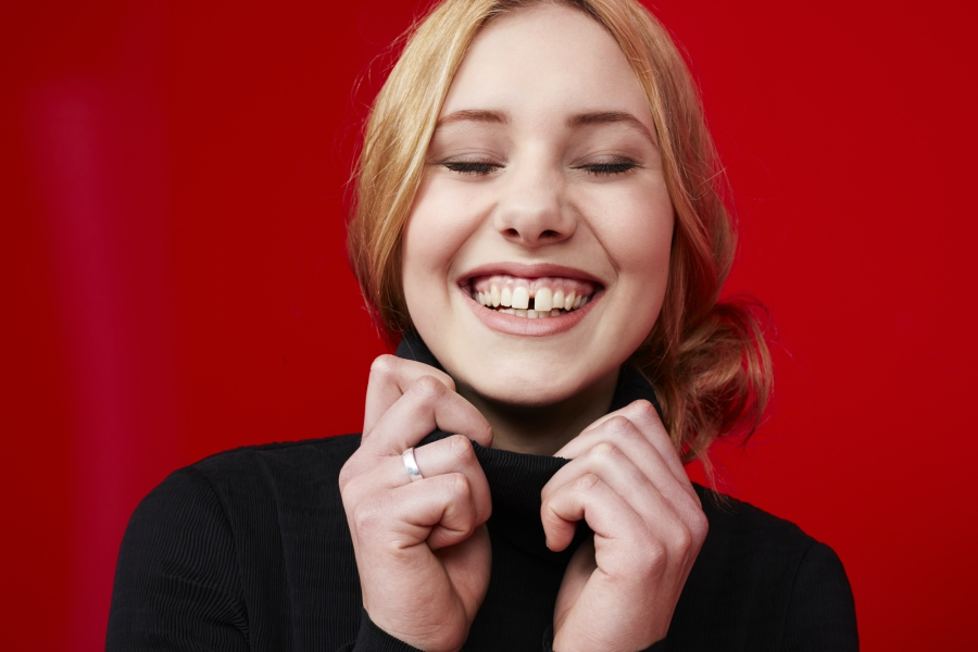 Is the gap-tooth smile the new face of fashion