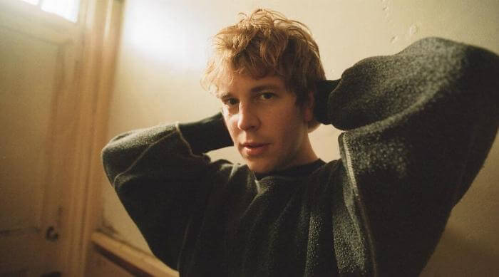 Instagram @tompeterodell Tom Odell in sweater