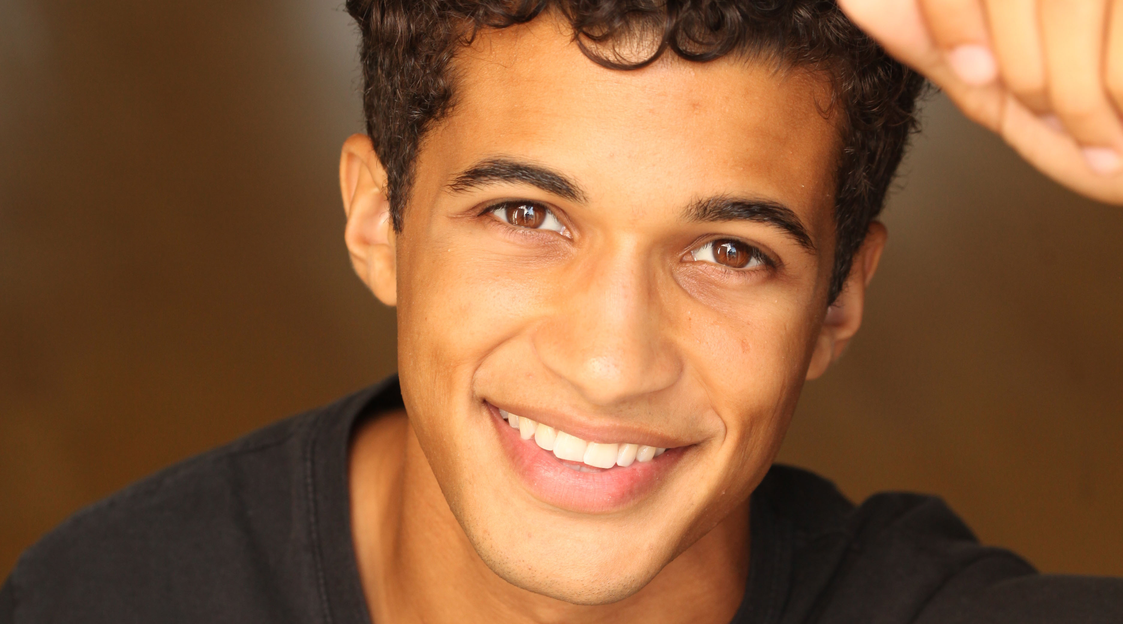 jordan fisher holiday pets interview