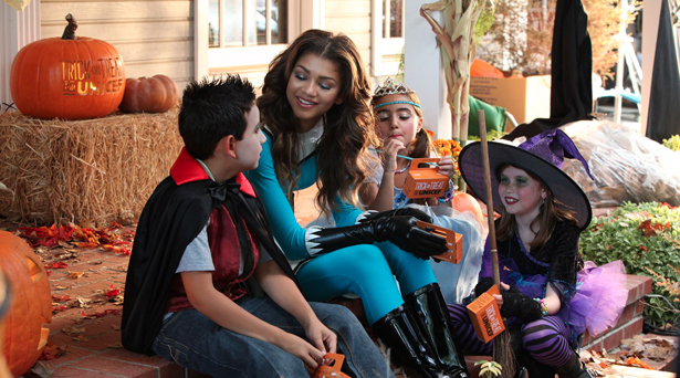 zendaya trick or treat for unicef