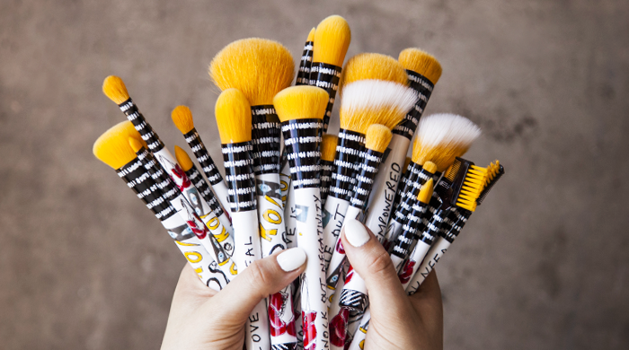 Knock Out Makeup Brush Featured Image