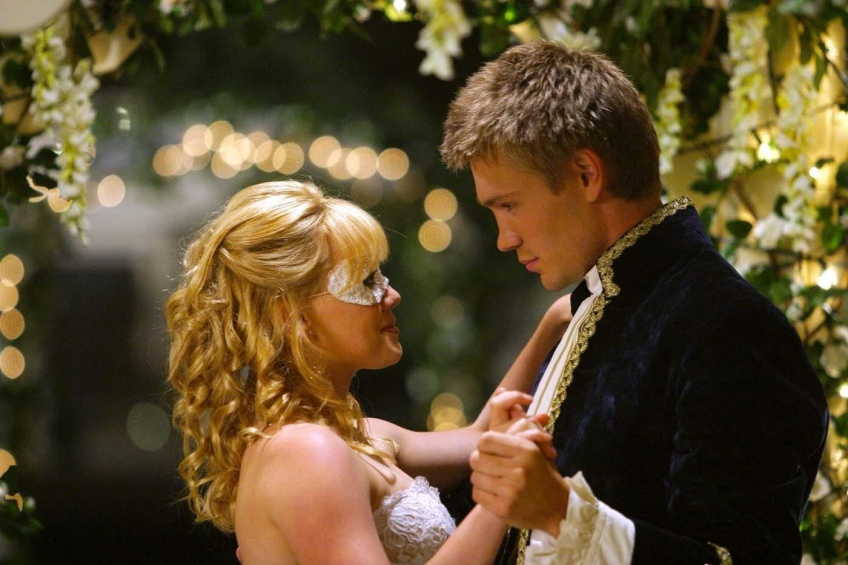 Hillary Duff and Chad Michael Murray in A Cinderella Story