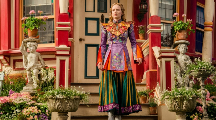 Alice Through the Looking Glass full outfit screen shot