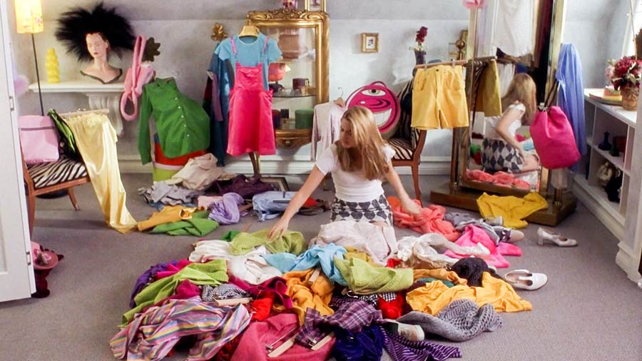 Cher Horowitz in a pile of clothes