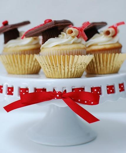 Grad Hat Cupcakes