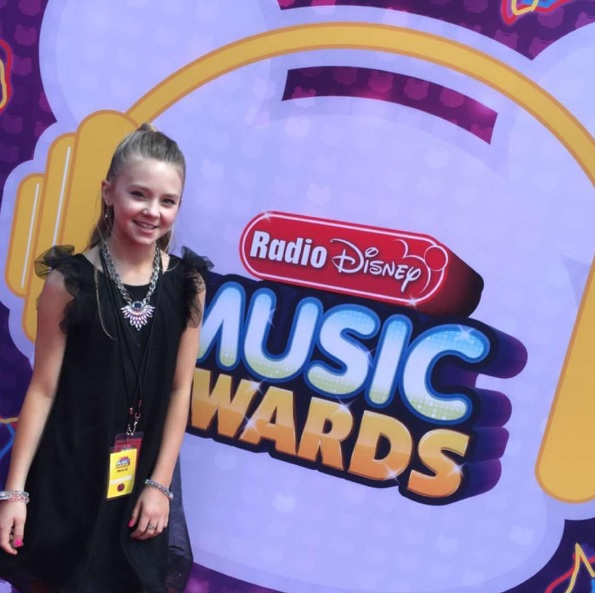 Tegan Marie on the red carpet for the 2016 Radio Disney Music Awards