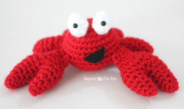 Crochet crab stuffed animal