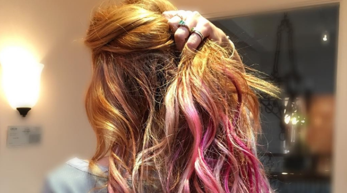 Bella Thorne pink hair tips