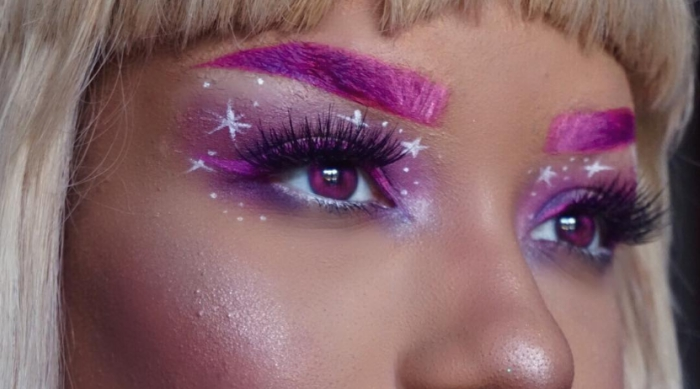 Pink eyebrows and eyeshadow look