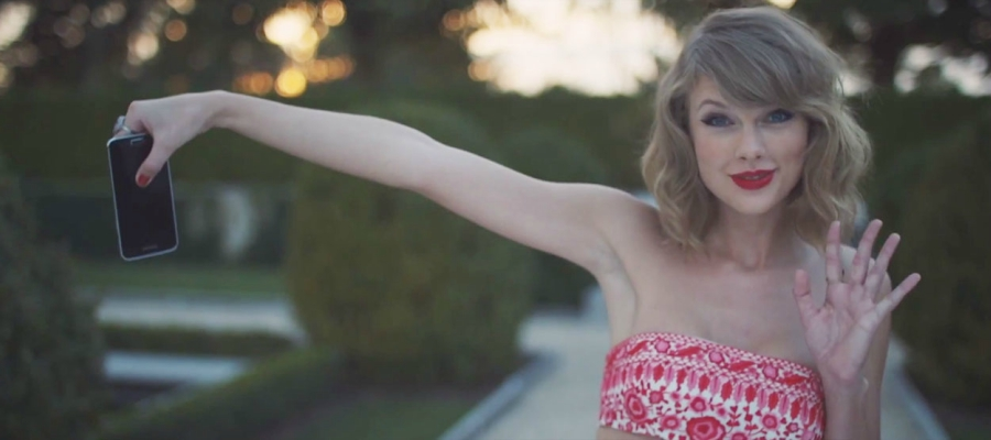 "Screen grab from Taylor Swift's ""Blank Space"" music video"