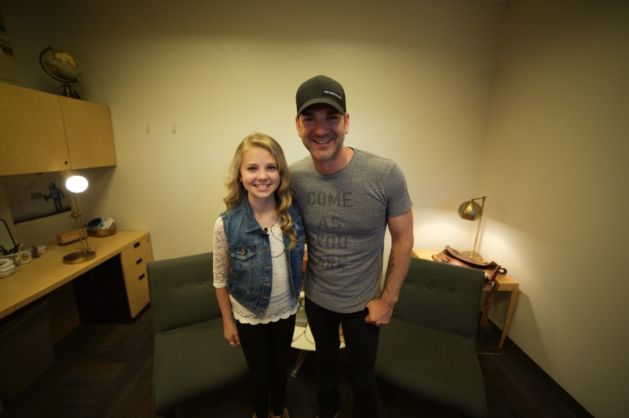 Tegan Marie and Craig Campbell posing for a picture