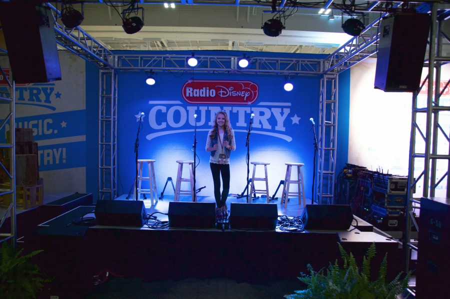 Tegan Marie seeing the Radio Disney Country stage for the first time at the CMA Music Festival