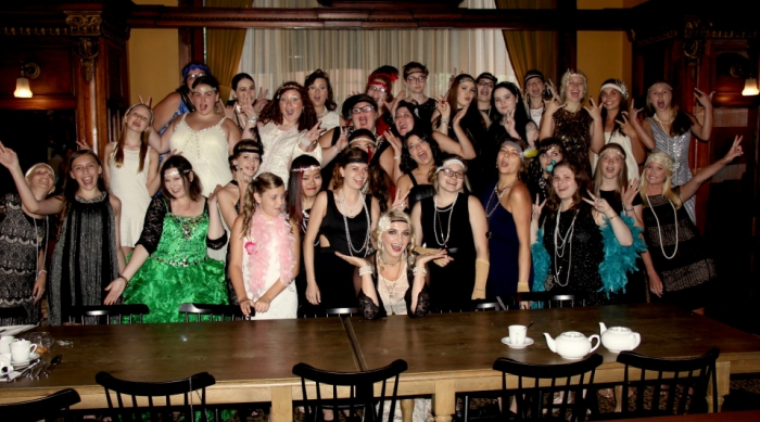 Rydel Lynch's Great Gatsby-themed tea party group shot