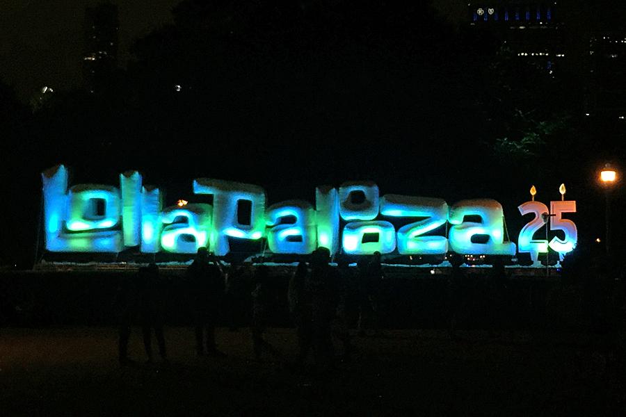 Lollapalooza-sign-080116