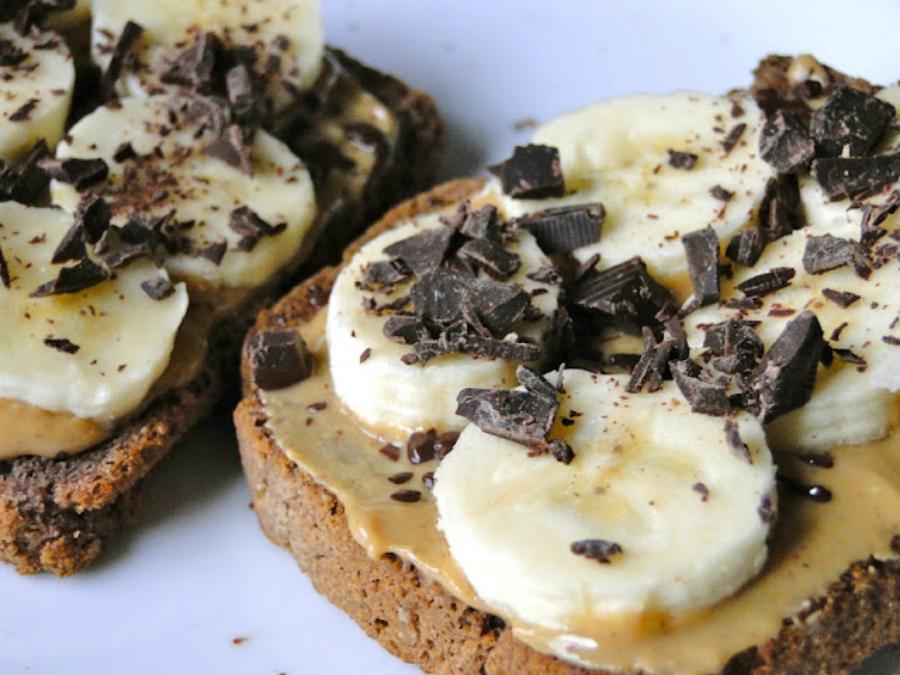 Dark chocolate, peanut butter and banana toast
