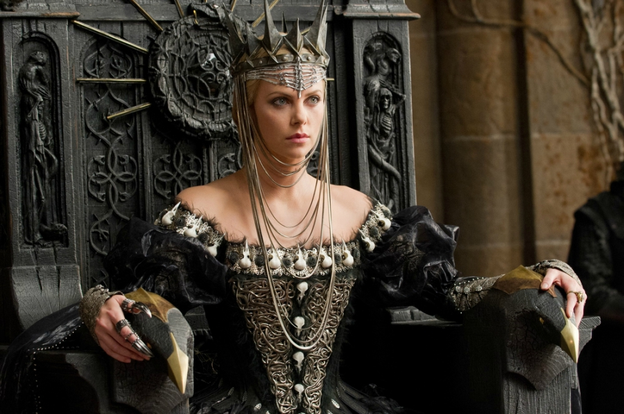 Still of Queen Ravenna from Snow White and the Huntsman