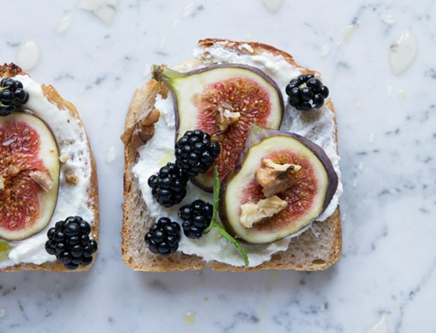 Toast with Fig and Blackberries