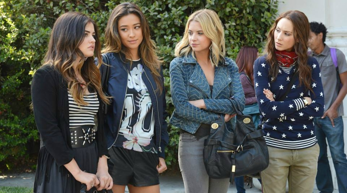 Pretty Little Liars style