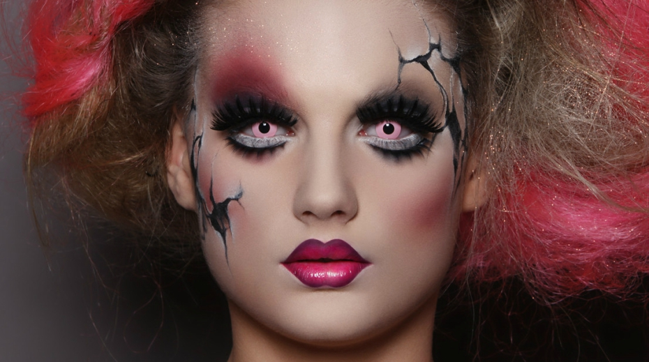 Creepy And Beautiful Halloween Makeup Hacks From A Pro