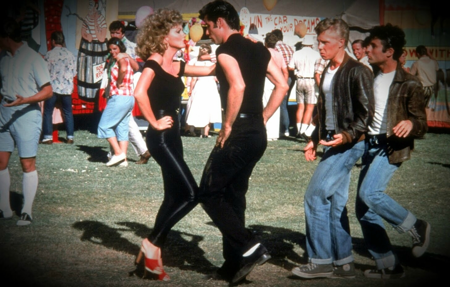 sandy and danny performing youre the one that i want in grease