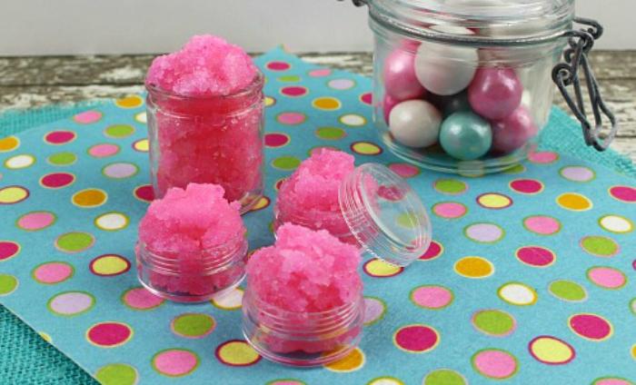 DIY bubblegum lip scrub