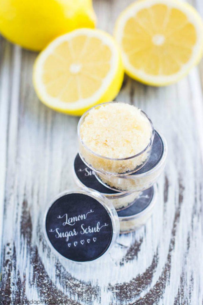 DIY lemon lip scrub