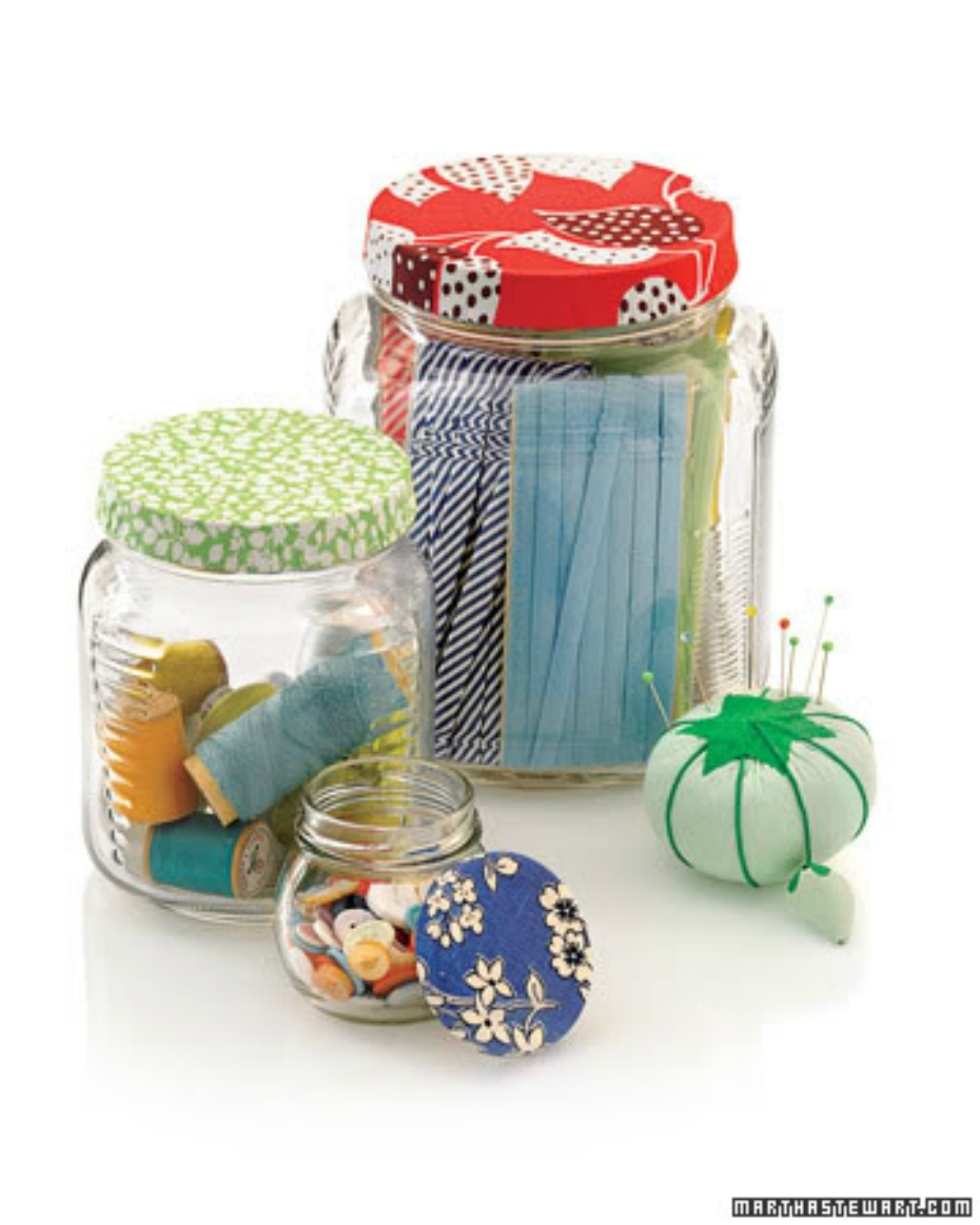 Diy craft ideas for recyclable glass jars for Crafts to make with glass jars