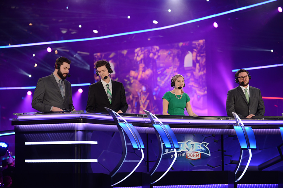 Jaycie Gluck (Gillyweeed) commentating at Heroes of the Dorm