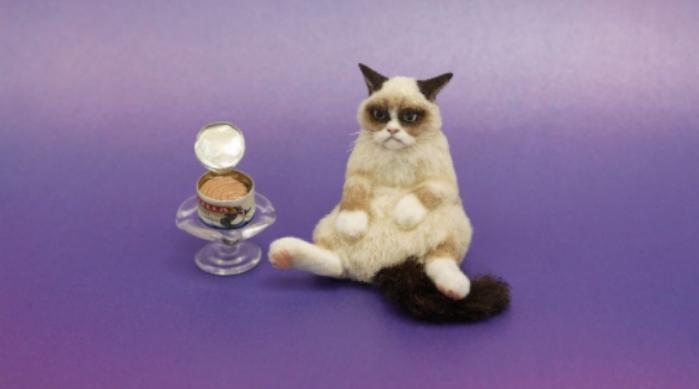Miniature Grumpy Cat sculpture