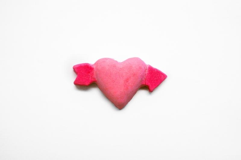 Lush's Cupid bath bomb