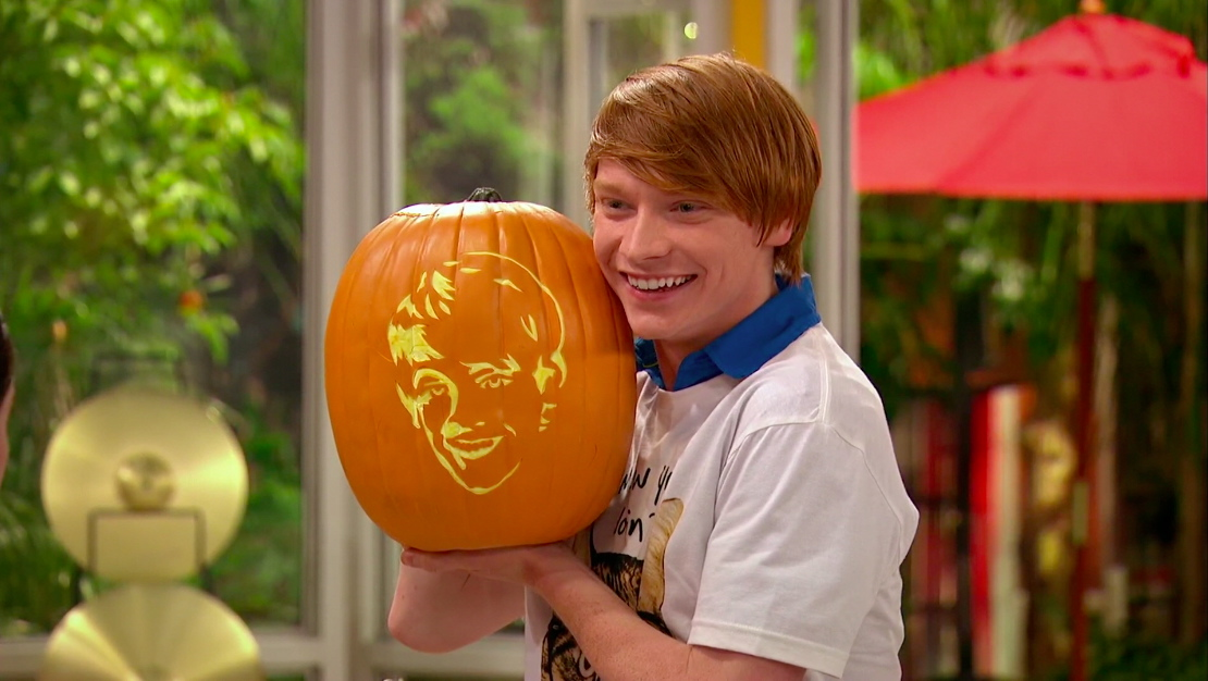 Dez from Disney Channel's 'Austin & Ally'
