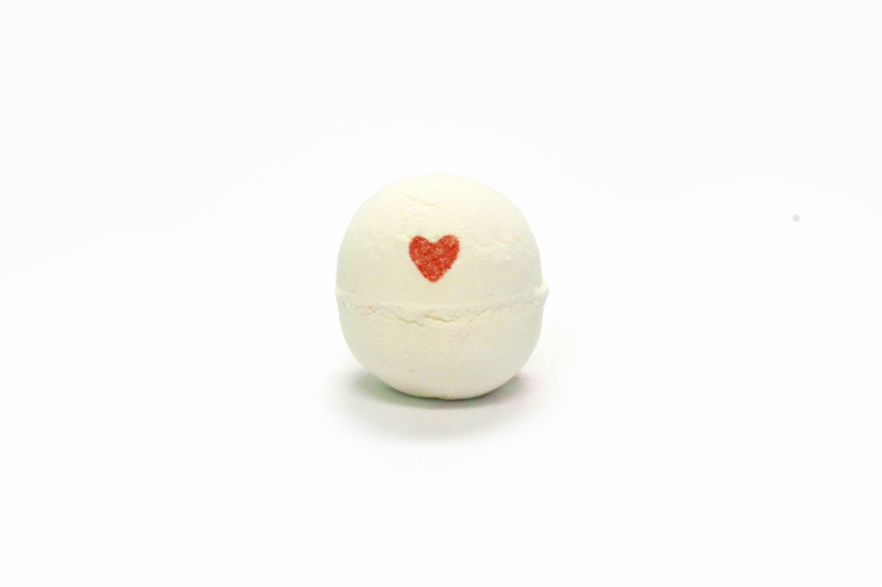 Lush's Lover Lamp bath bomb