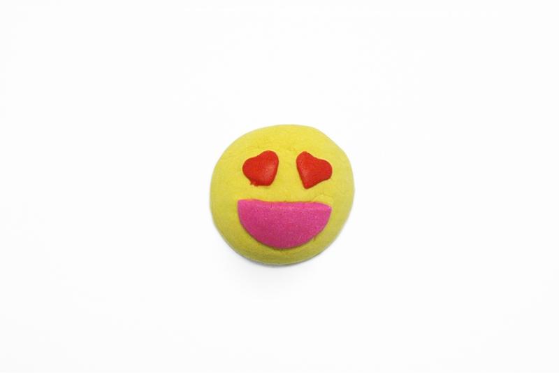 Lush's Lovestruck bubble bar