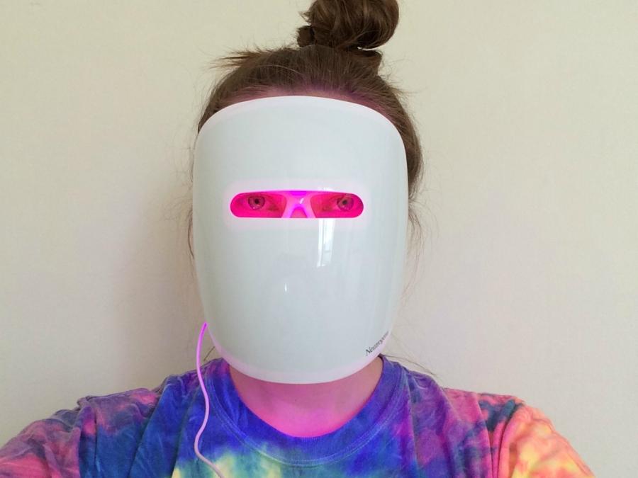 Neutrogena's Light Therapy Acne Mask on