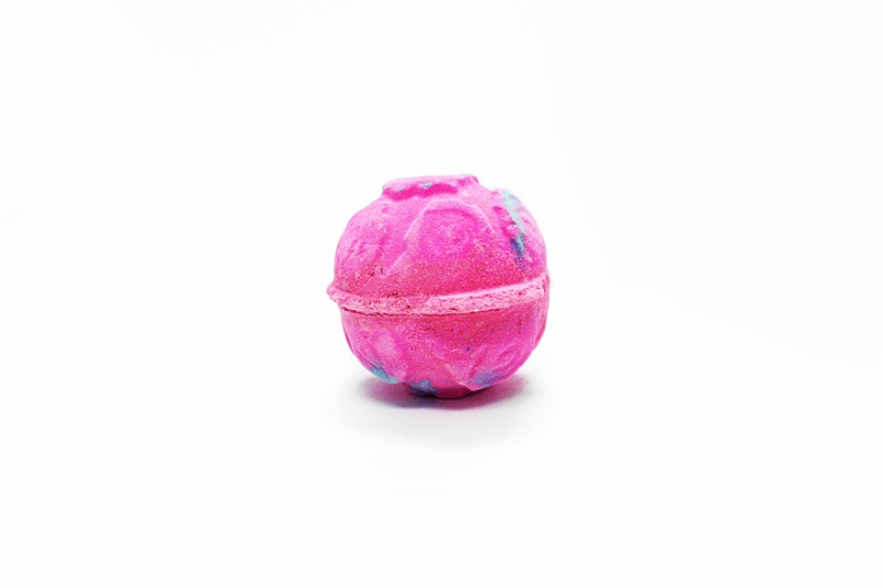 Lush's Rose Bombshell bath bomb