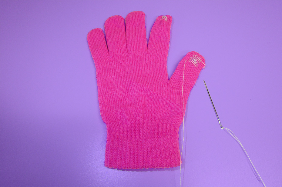 Touchscreen gloves sewing DIY