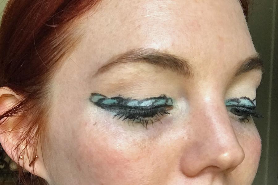 Add more teal shadow mermaid makeup trend