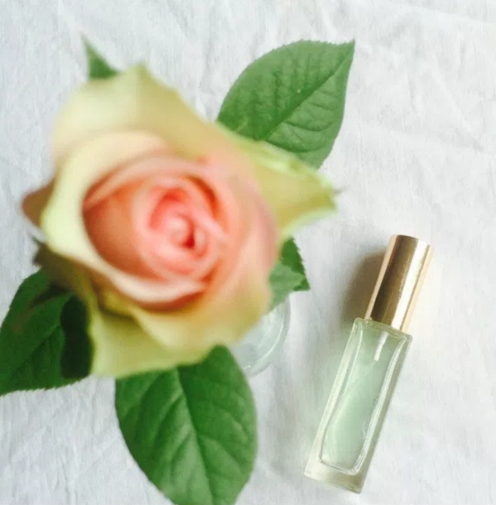 DIY rose, geranium and lavender perfume