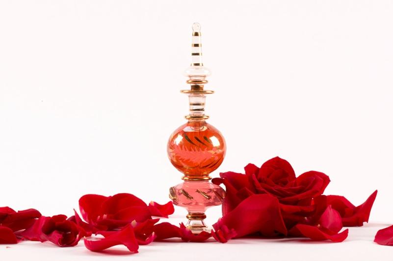 DIY rose perfume