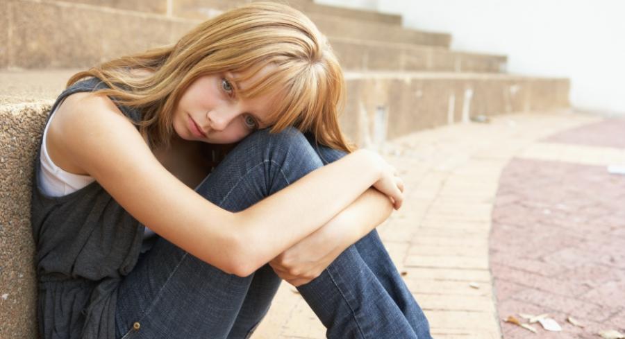 worrying-girl-on-steps-social-020617