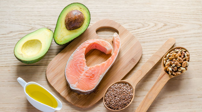 Superfoods for healthy hair salmon avocado