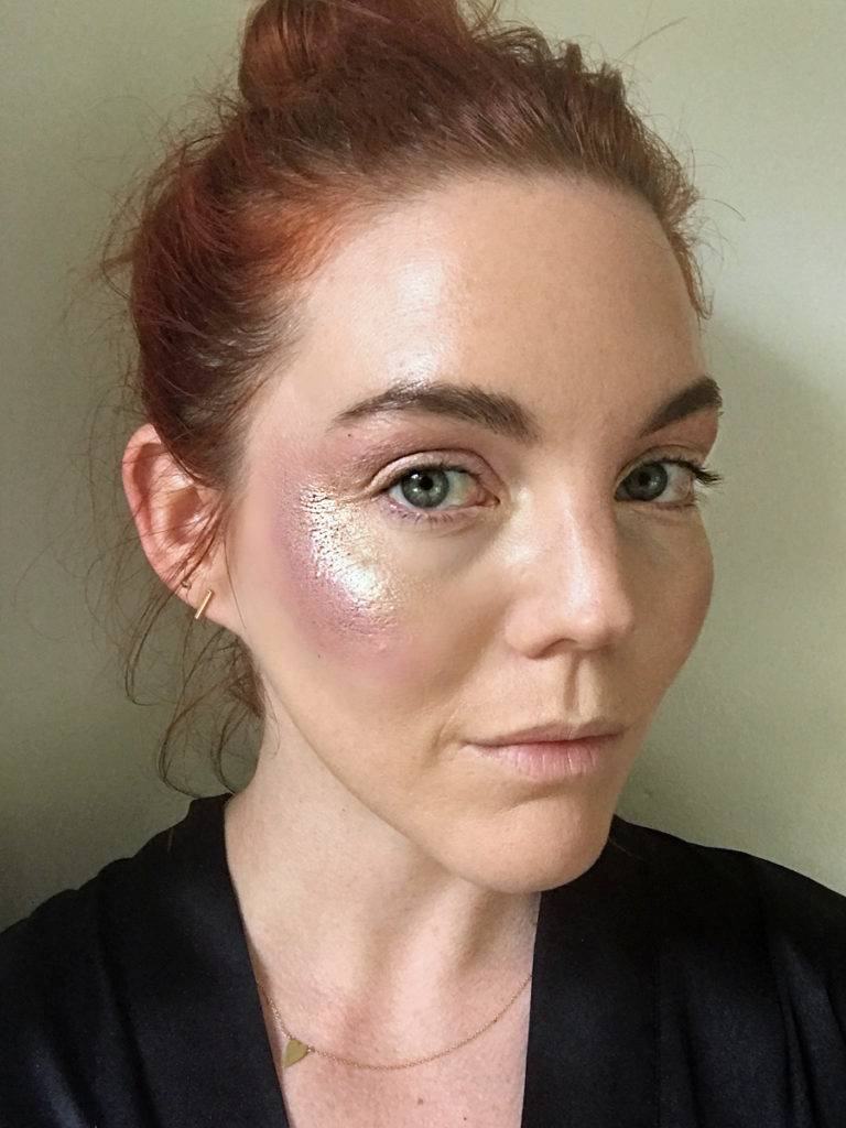 Glitter strobing trend eyeshadow