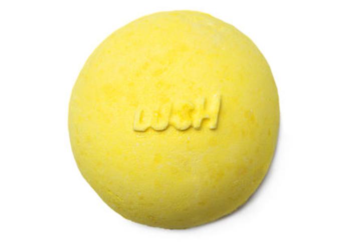 Lush's Fizzbanger bath bomb