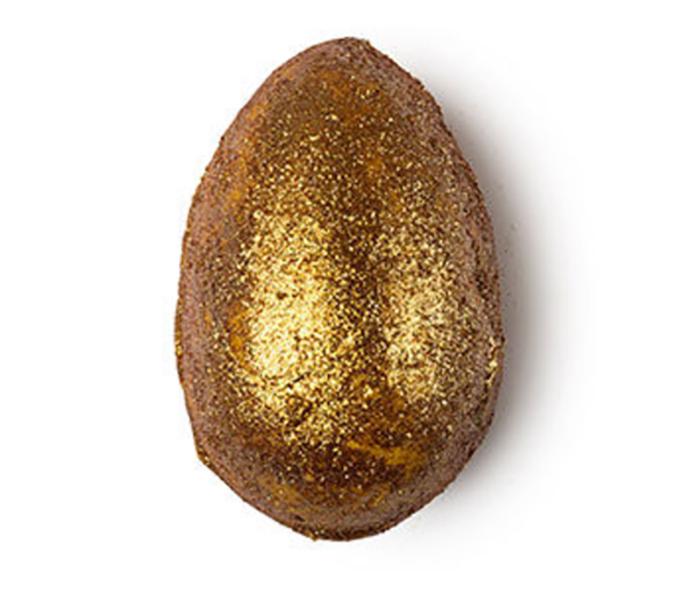 Lush's Golden Egg Bath Bomb Melt