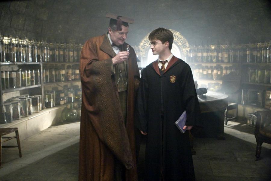 Harry Potter still of Harry winning felix felicis potion