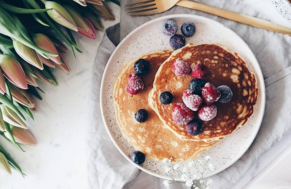 Pancake breakfast with berries