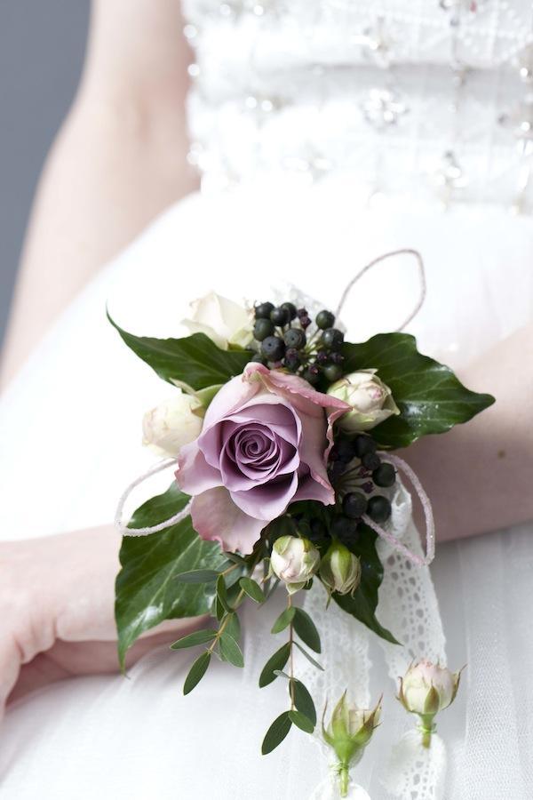 The best diy prom corsage tutorials diy fruit and flower corsage mightylinksfo
