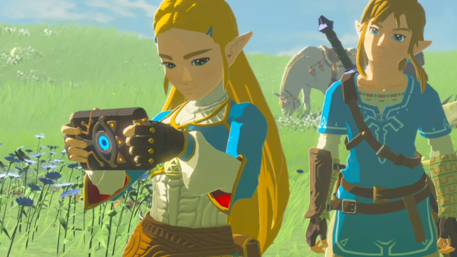 The Legend of Zelda: Breath of the Wild - Zelda on Sheikah Slate next to Link