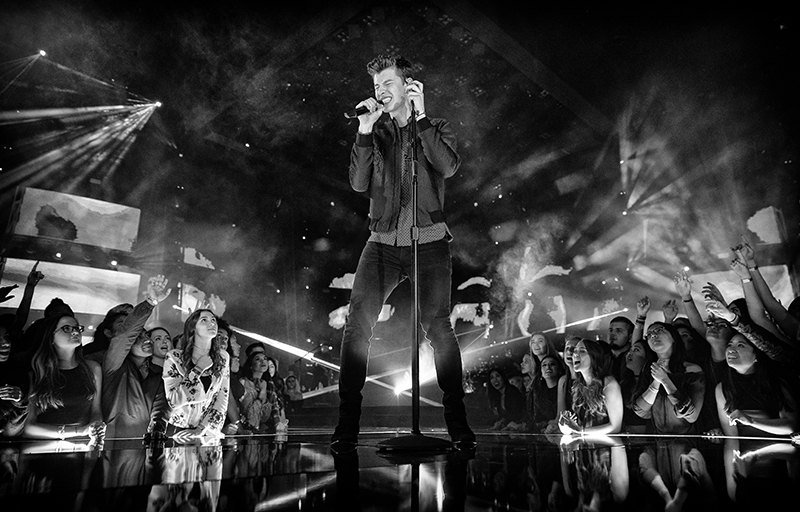 Shawn Mendes performing at the iHeartRadio Music Awards 2017