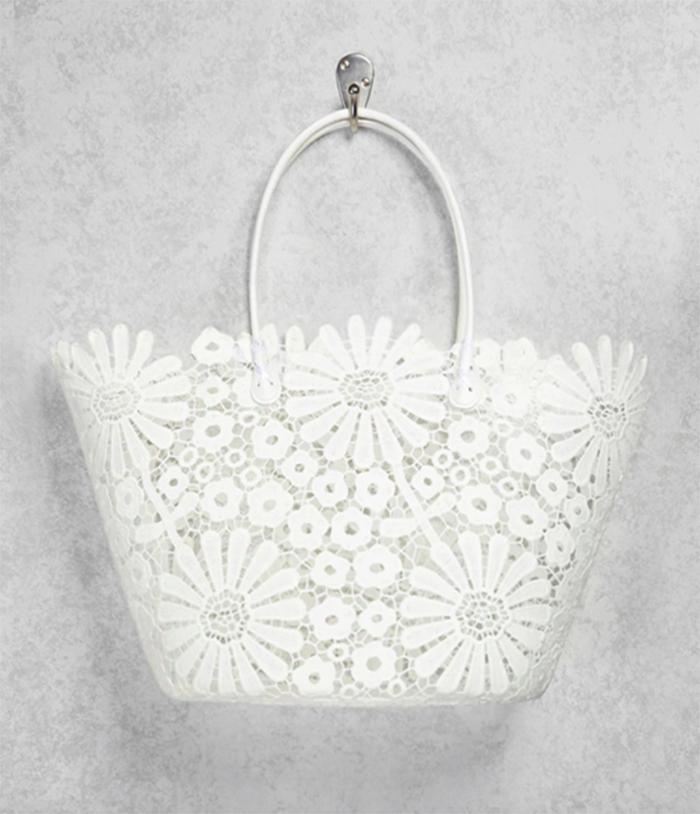 Daisy crochet beach bag from Forever 21